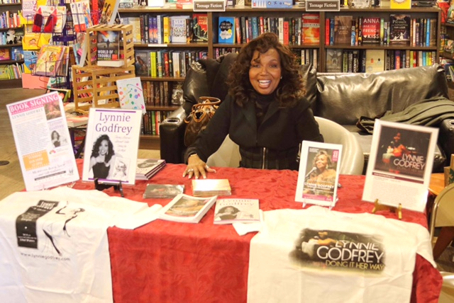 Book signing ...Jan. 19, 2016.. Allentown Moravian Bookstore Photos by Robert Cort.